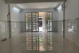 Mặt Tiền Cư Xá Vĩnh Hội, Q.4 - Xe OTO ngủ trong nhà.
